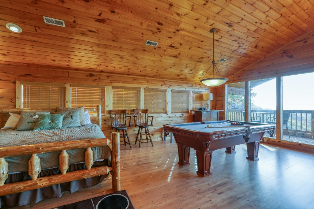 Photo of a Pigeon Forge Cabin named Morning View #131 - This is the twenty-ninth photo in the set.