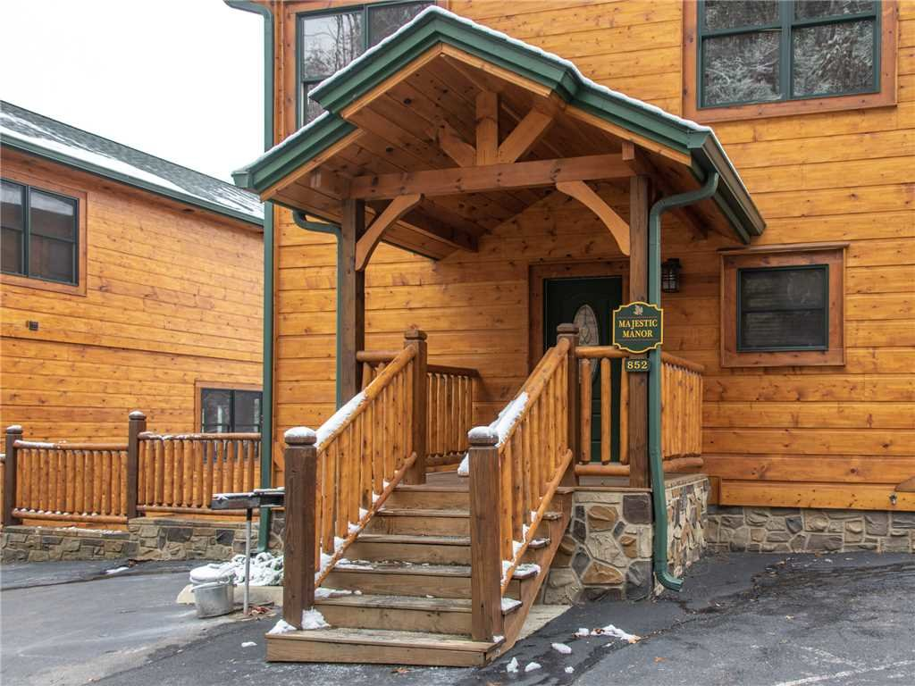 Photo of a Gatlinburg Cabin named Majestic Manor - This is the twenty-eighth photo in the set.