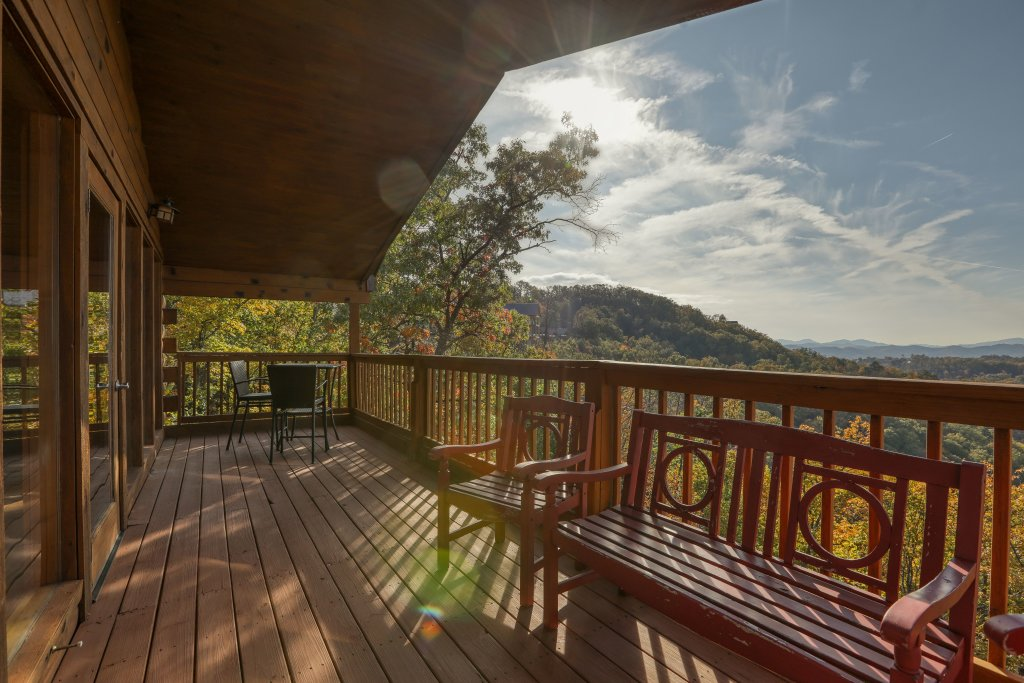Photo of a Pigeon Forge Cabin named Morning View #131 - This is the thirty-fourth photo in the set.