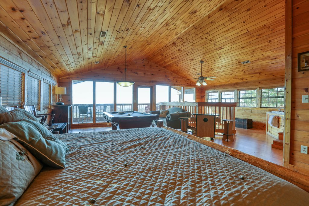 Photo of a Pigeon Forge Cabin named Morning View #131 - This is the thirtieth photo in the set.