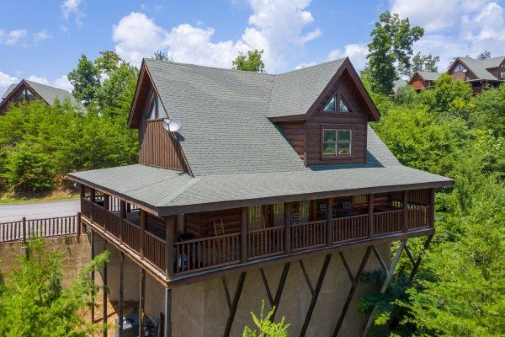 Photo of a Sevierville Cabin named Azalea Point - This is the twenty-fifth photo in the set.