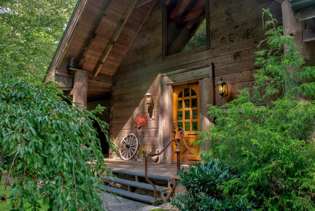 Photo of a Sevierville Cabin named Timberstone - This is the fifth photo in the set.