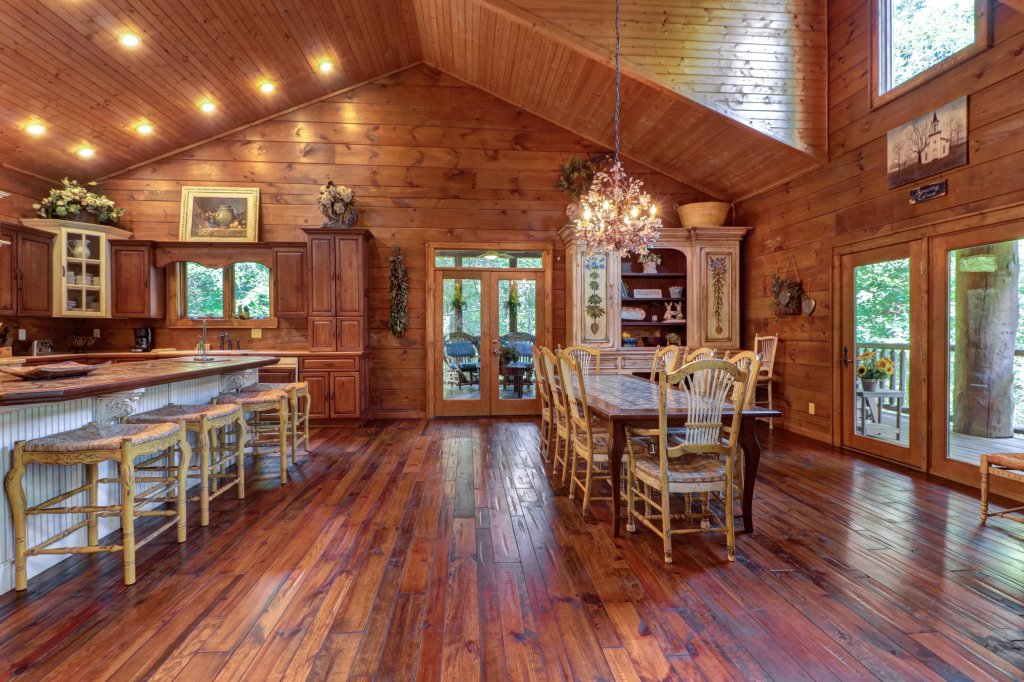 Photo of a Sevierville Cabin named Timberstone - This is the fourteenth photo in the set.