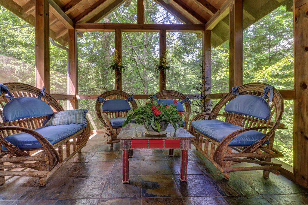 Photo of a Sevierville Cabin named Timberstone - This is the nineteenth photo in the set.