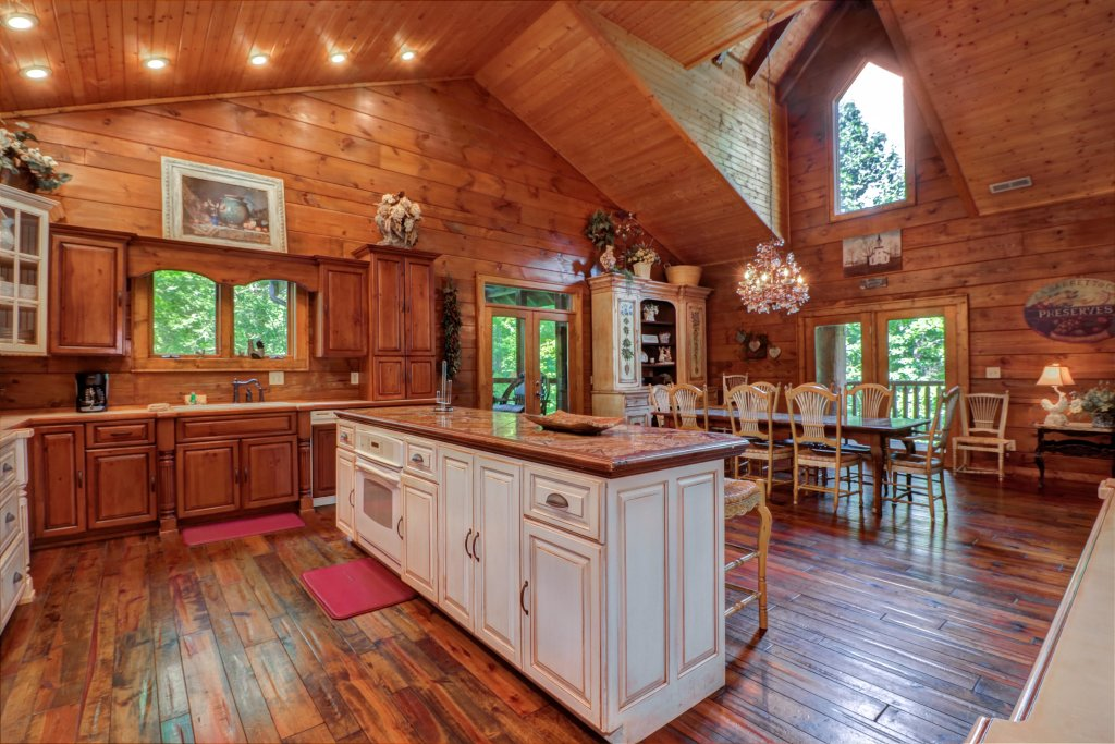 Photo of a Sevierville Cabin named Timberstone - This is the seventeenth photo in the set.