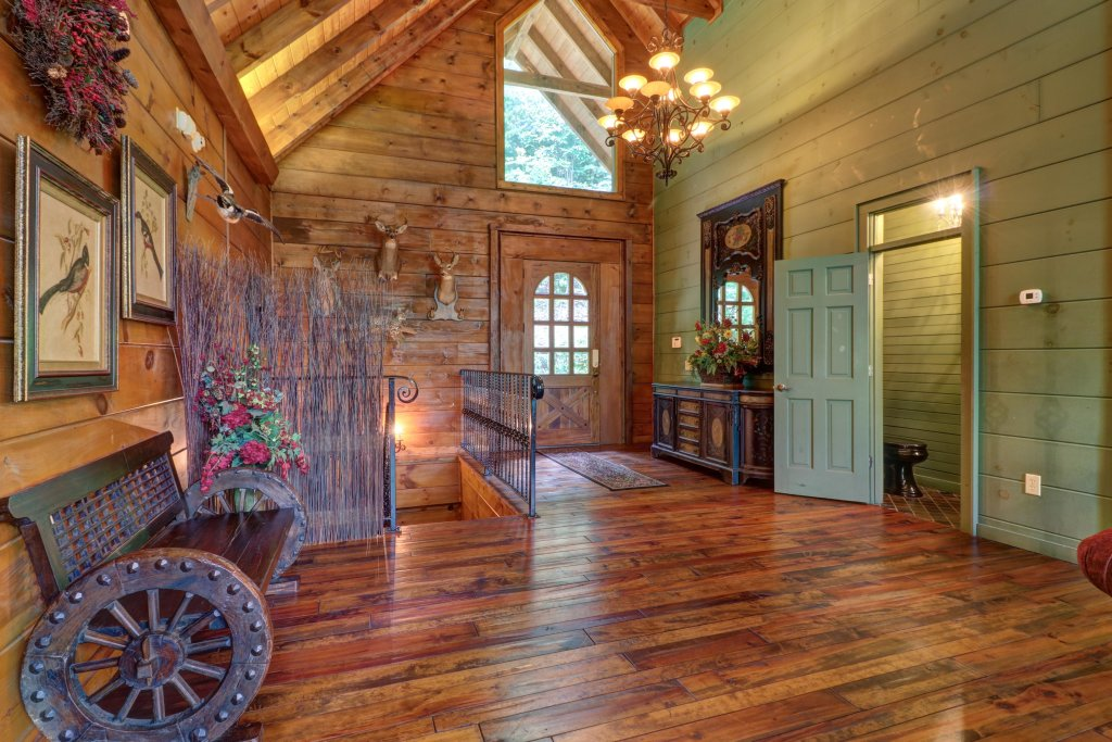 Photo of a Sevierville Cabin named Timberstone - This is the seventh photo in the set.
