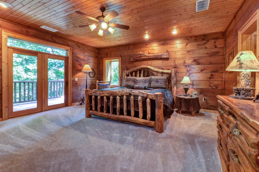 Photo of a Sevierville Cabin named Timberstone - This is the thirty-fourth photo in the set.
