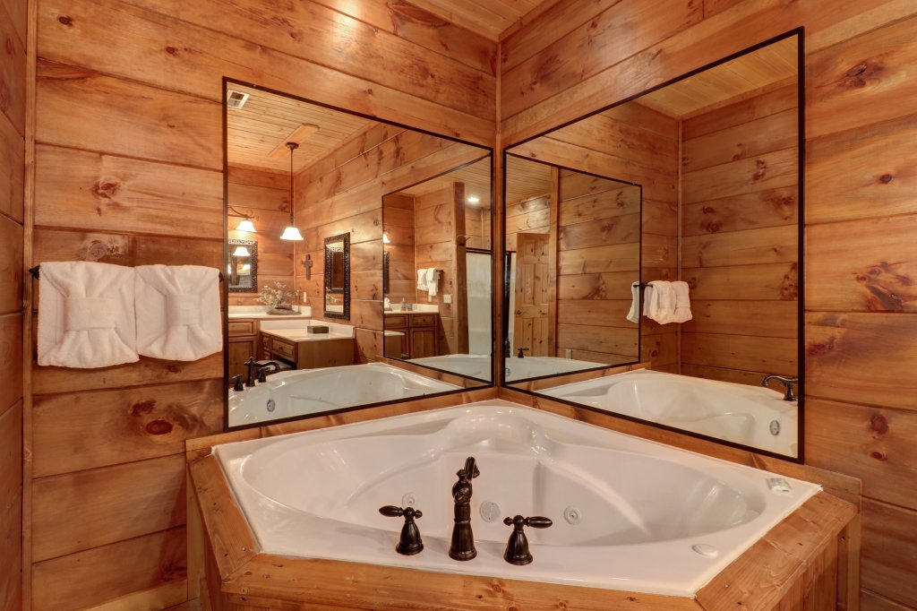 Photo of a Sevierville Cabin named Timberstone - This is the thirty-sixth photo in the set.