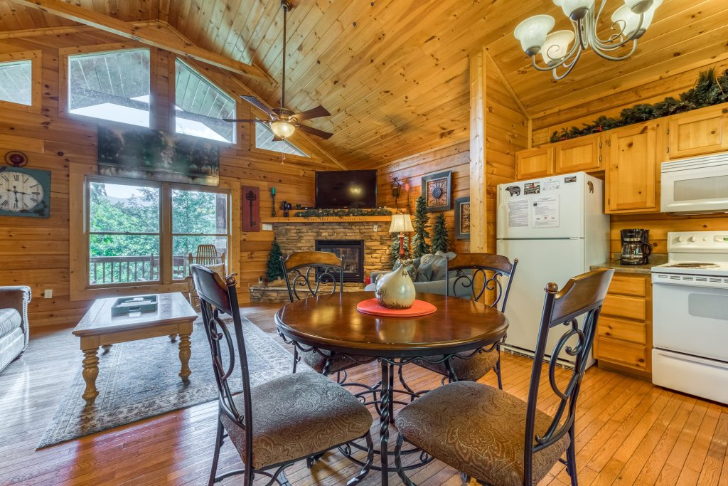 Photo of a Gatlinburg Cabin named Ever After - This is the sixteenth photo in the set.