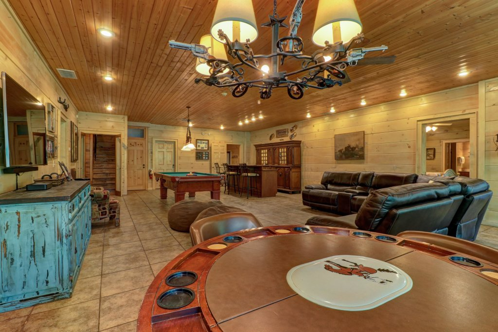 Photo of a Sevierville Cabin named Timberstone - This is the thirty-second photo in the set.
