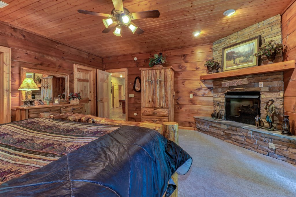 Photo of a Sevierville Cabin named Timberstone - This is the thirty-fifth photo in the set.