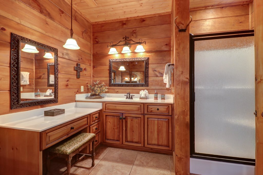 Photo of a Sevierville Cabin named Timberstone - This is the thirty-seventh photo in the set.