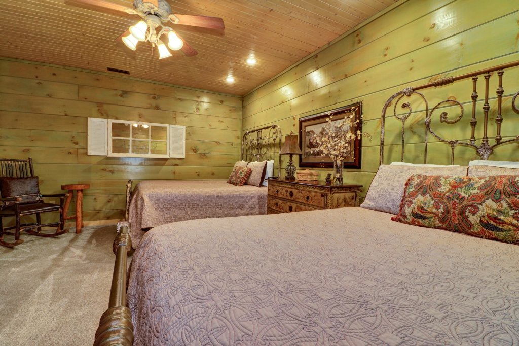 Photo of a Sevierville Cabin named Timberstone - This is the forty-first photo in the set.