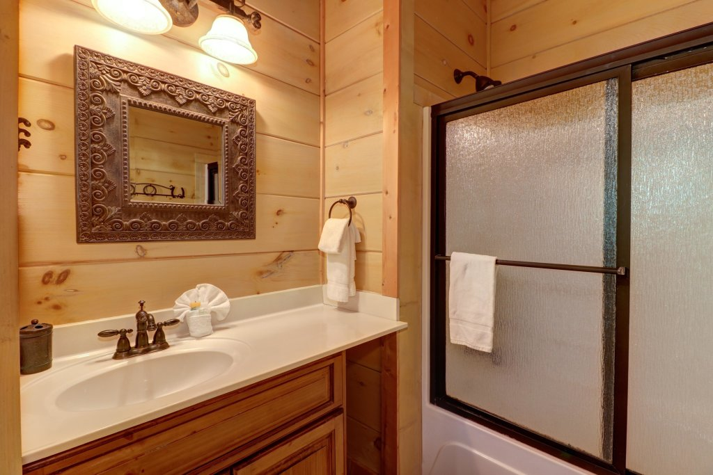 Photo of a Sevierville Cabin named Timberstone - This is the forty-third photo in the set.