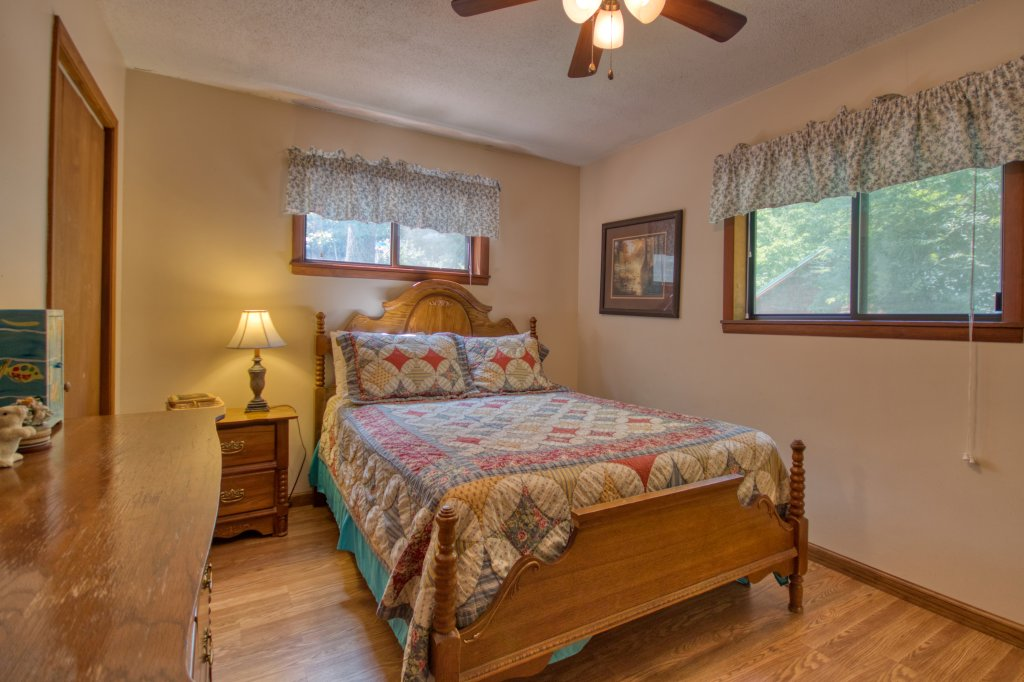 Photo of a Gatlinburg Cabin named River Dream #466 - This is the fourteenth photo in the set.