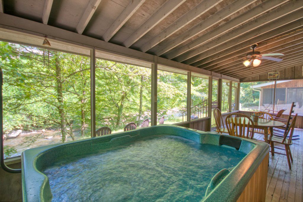 Photo of a Gatlinburg Cabin named River Dream #466 - This is the sixteenth photo in the set.