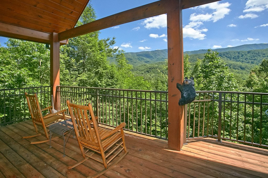 Photo of a Gatlinburg Cabin named Cajun Hideaway - This is the first photo in the set.