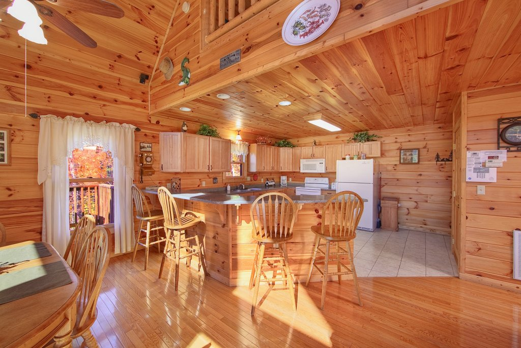 Photo of a Gatlinburg Cabin named Cajun Hideaway - This is the seventh photo in the set.