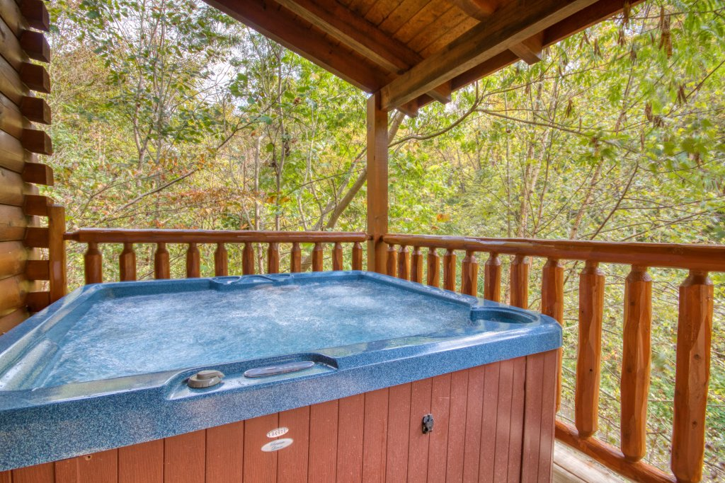 Photo of a Pigeon Forge Cabin named Camelot #266 - This is the second photo in the set.