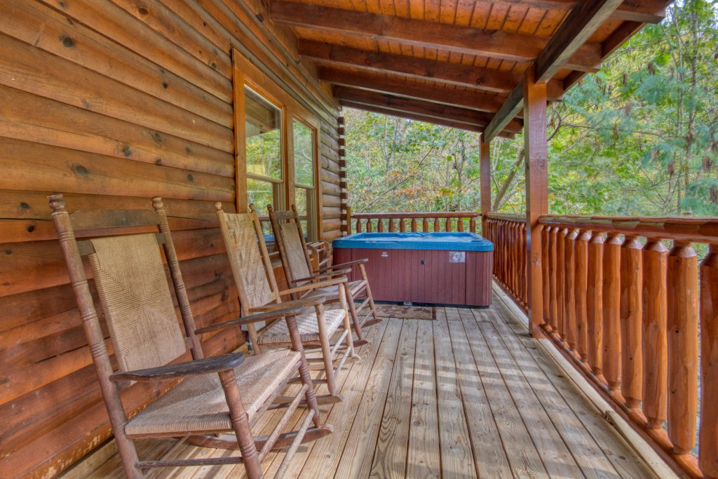 Photo of a Pigeon Forge Cabin named Camelot #266 - This is the twelfth photo in the set.