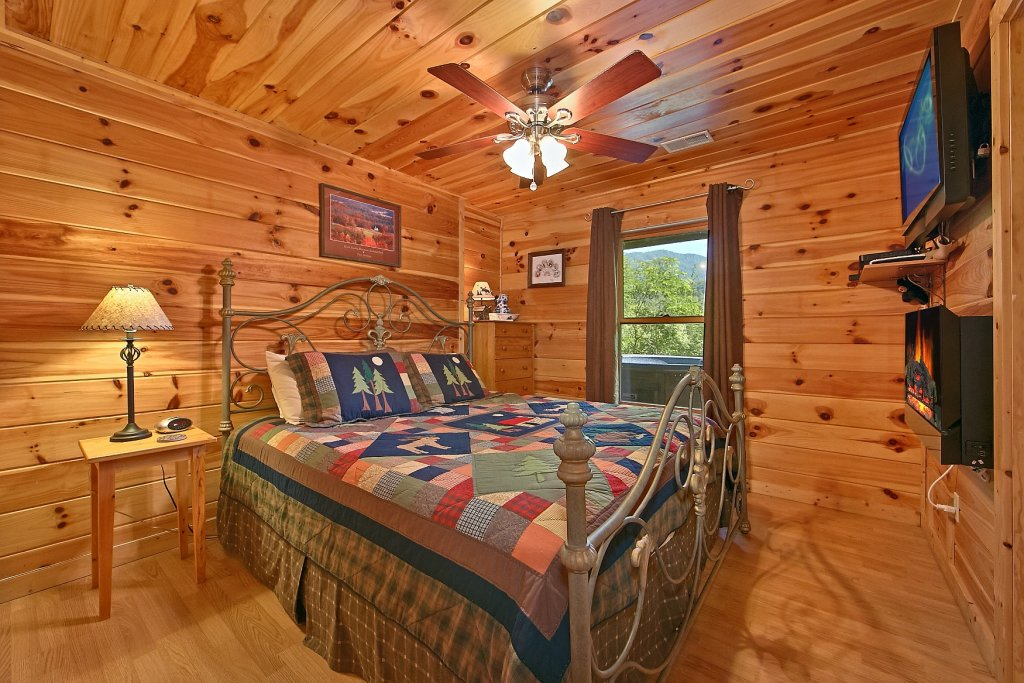 Photo of a Gatlinburg Cabin named Cajun Hideaway - This is the tenth photo in the set.