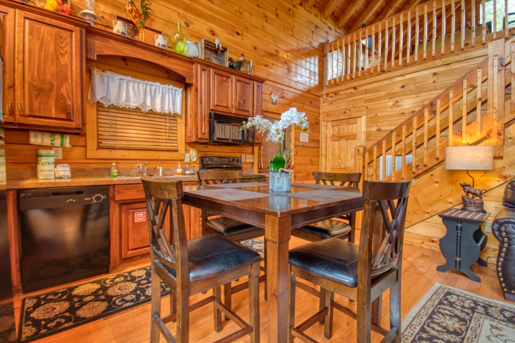 Photo of a Pigeon Forge Cabin named Camelot #266 - This is the fifth photo in the set.