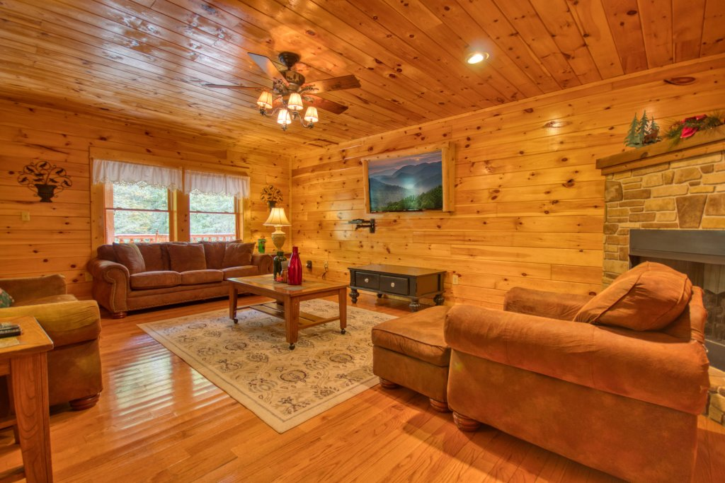 Photo of a Pigeon Forge Cabin named Camelot #266 - This is the seventeenth photo in the set.
