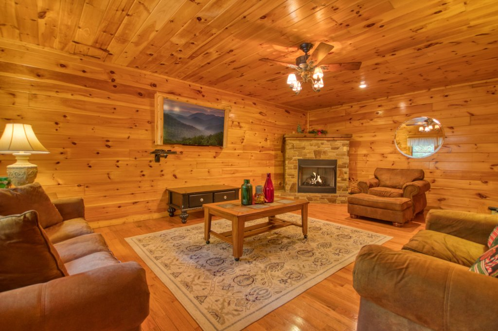 Photo of a Pigeon Forge Cabin named Camelot #266 - This is the eighteenth photo in the set.