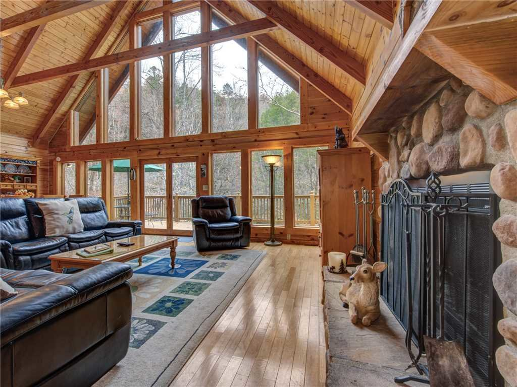 Photo of a Sevierville Cabin named Amazing River Retreat - This is the fifth photo in the set.