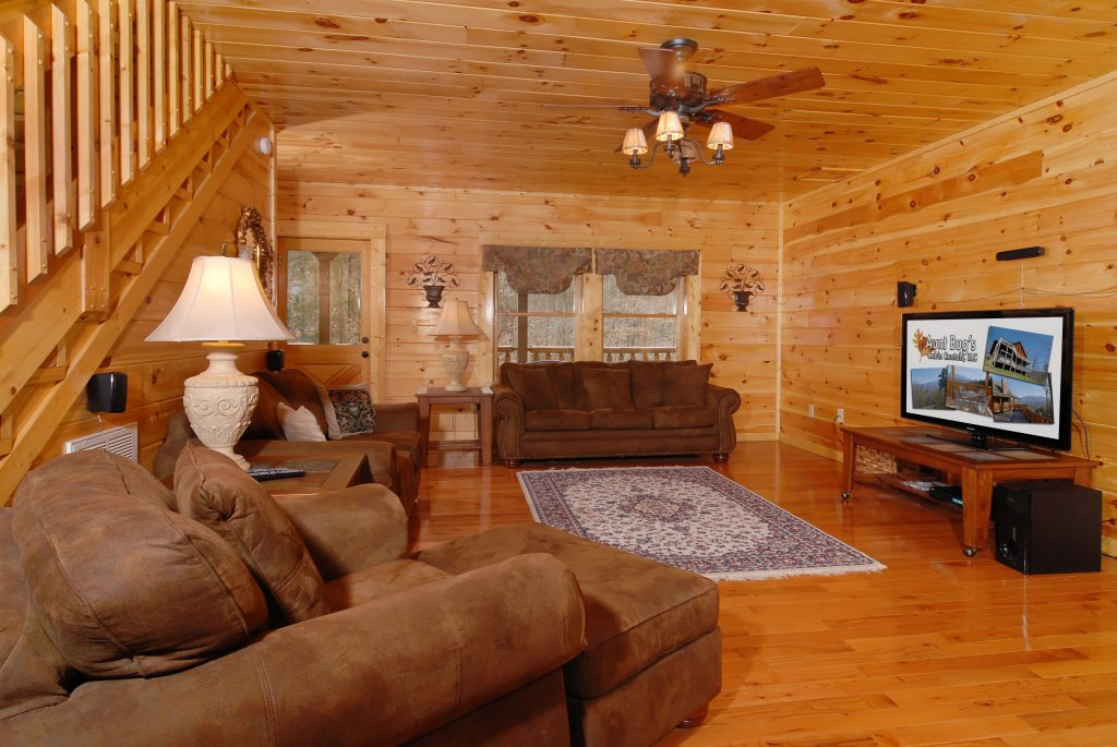 Photo of a Pigeon Forge Cabin named Camelot #266 - This is the twenty-ninth photo in the set.