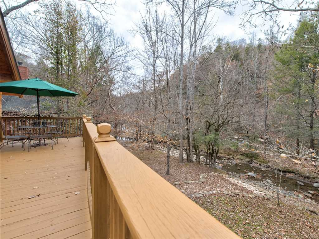 Photo of a Sevierville Cabin named Amazing River Retreat - This is the twenty-eighth photo in the set.