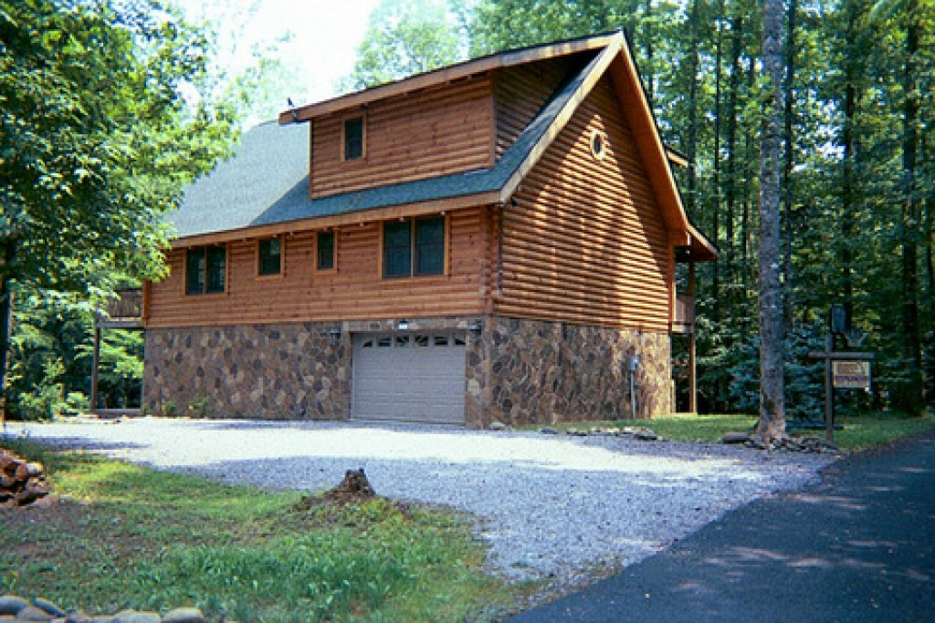 Photo of a Sevierville Cabin named Amazing River Retreat - This is the thirty-fourth photo in the set.