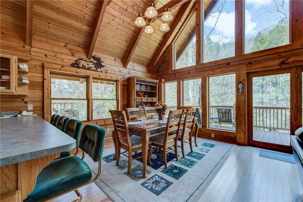 Photo of a Sevierville Cabin named Amazing River Retreat - This is the ninth photo in the set.
