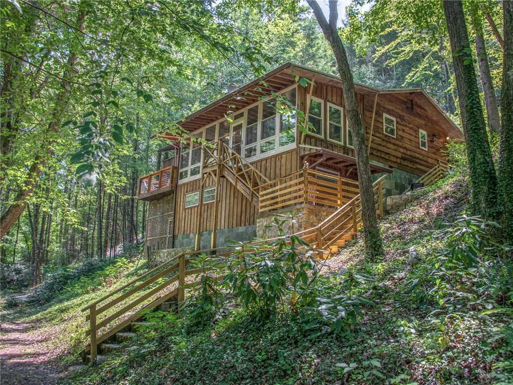 Photo of a Gatlinburg Cabin named Lil Bear's Den - This is the thirty-fifth photo in the set.