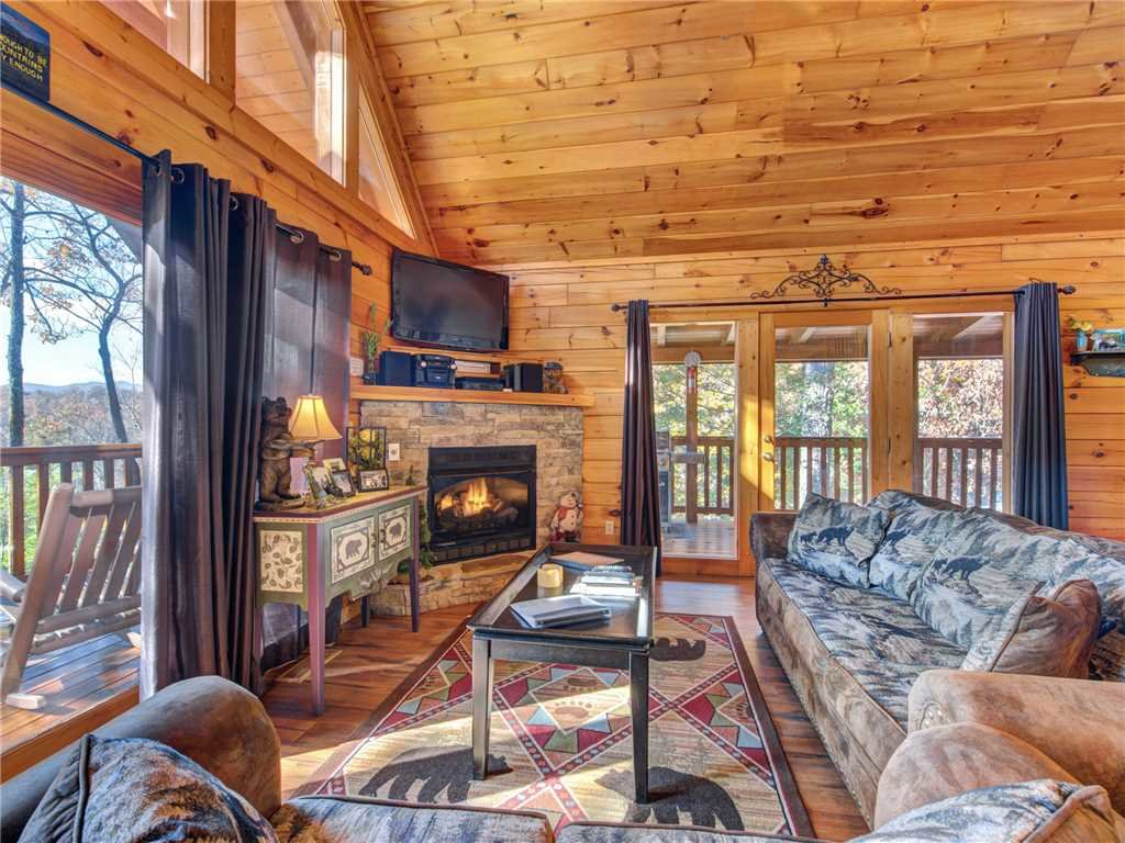 Photo of a Gatlinburg Cabin named Cub's Corner - This is the first photo in the set.