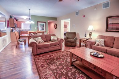 Upgraded 3 Br Overlooking Pigeon Forge, Downtown, Private Balcony-free Tkts