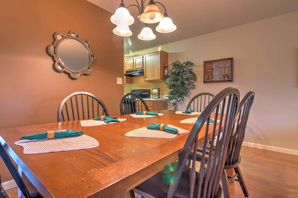Photo of a Pigeon Forge Condo named Cedar Lodge 702 - This is the first photo in the set.
