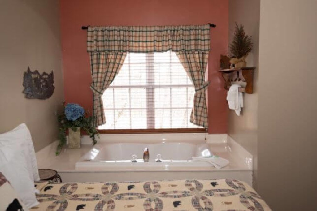 Photo of a Pigeon Forge Condo named 1502 Golf View Towers Happy Time Bear - This is the ninth photo in the set.