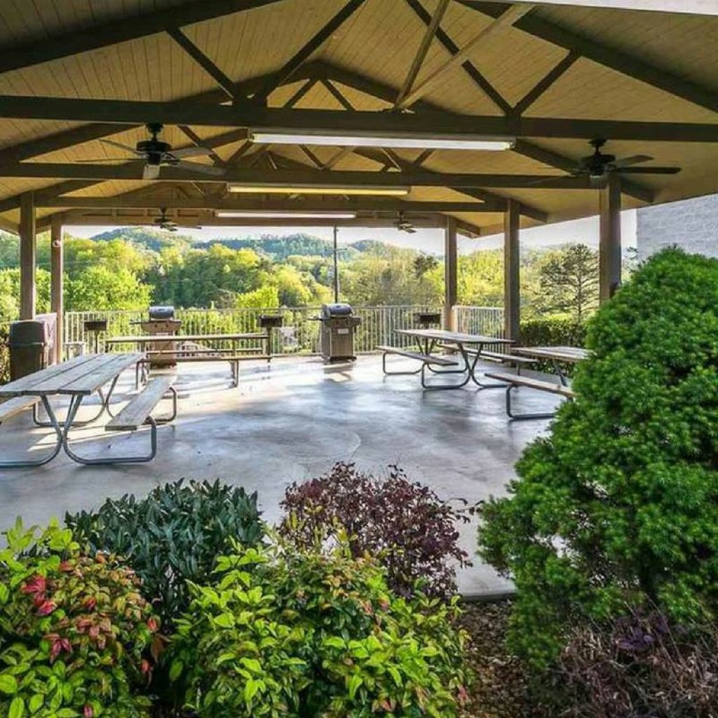 Photo of a Pigeon Forge Condo named Whispering Pines 514 - This is the thirty-second photo in the set.