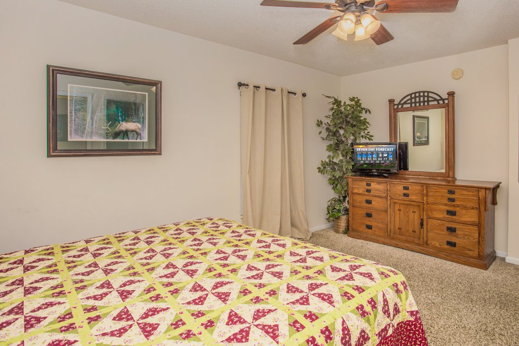 Photo of a Pigeon Forge Condo named Whispering Pines 651 - This is the ninth photo in the set.