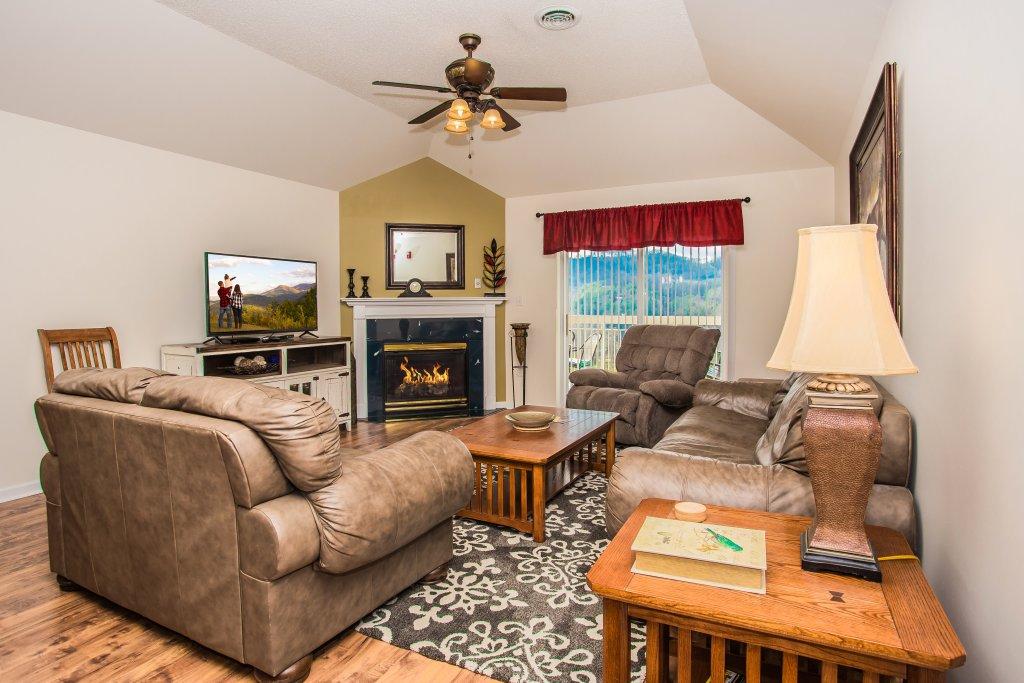 Photo of a Pigeon Forge Condo named Whispering Pines 651 - This is the first photo in the set.