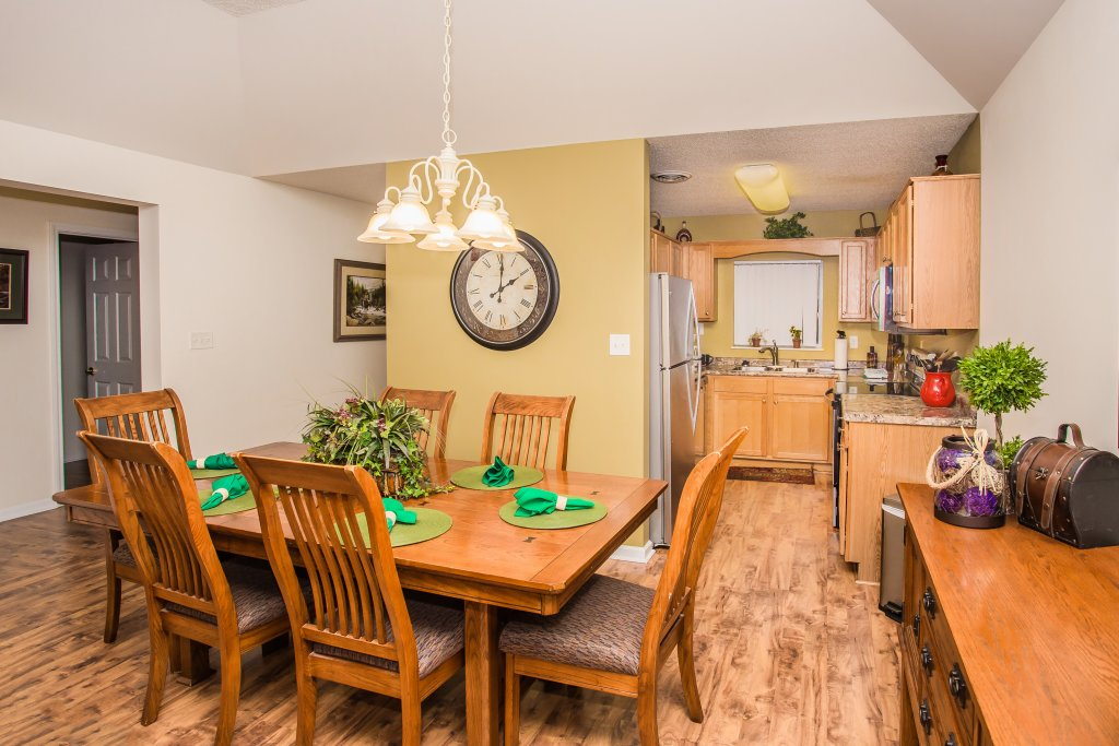 Photo of a Pigeon Forge Condo named Whispering Pines 651 - This is the sixth photo in the set.