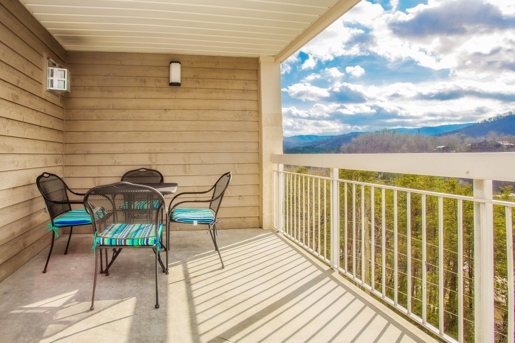 Photo of a Pigeon Forge Condo named Whispering Pines 651 - This is the twentieth photo in the set.