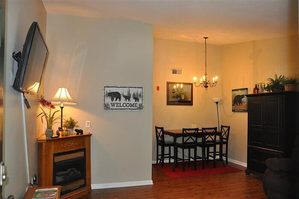 Photo of a Pigeon Forge Condo named 201 Colonial Crest Pigeon Forge Retreat - This is the third photo in the set.