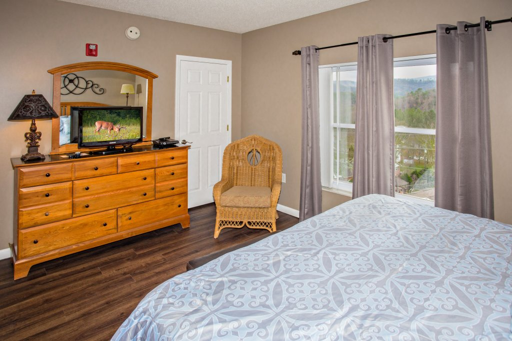 Photo of a Pigeon Forge Condo named Whispering Pines 541 - This is the fifth photo in the set.