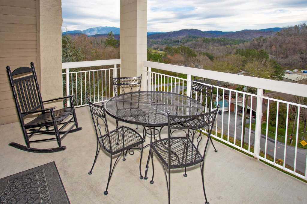 Photo of a Pigeon Forge Condo named Whispering Pines 541 - This is the fourteenth photo in the set.