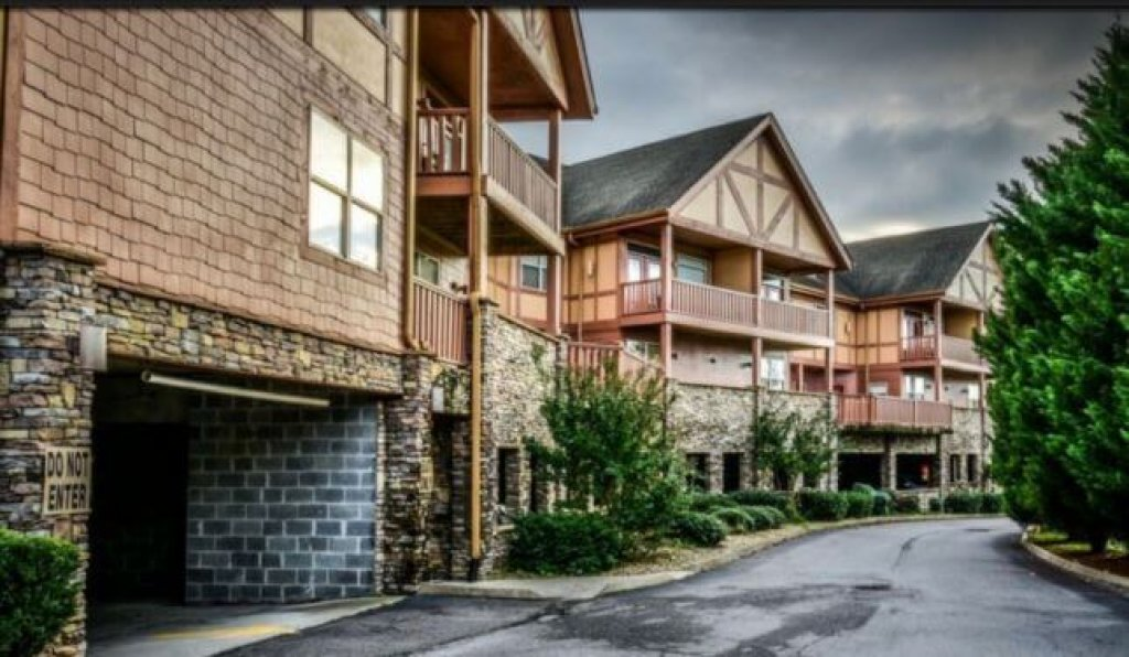 Photo of a Pigeon Forge Condo named 3107 Golf View Hillcrest Garden Terrace - This is the eleventh photo in the set.