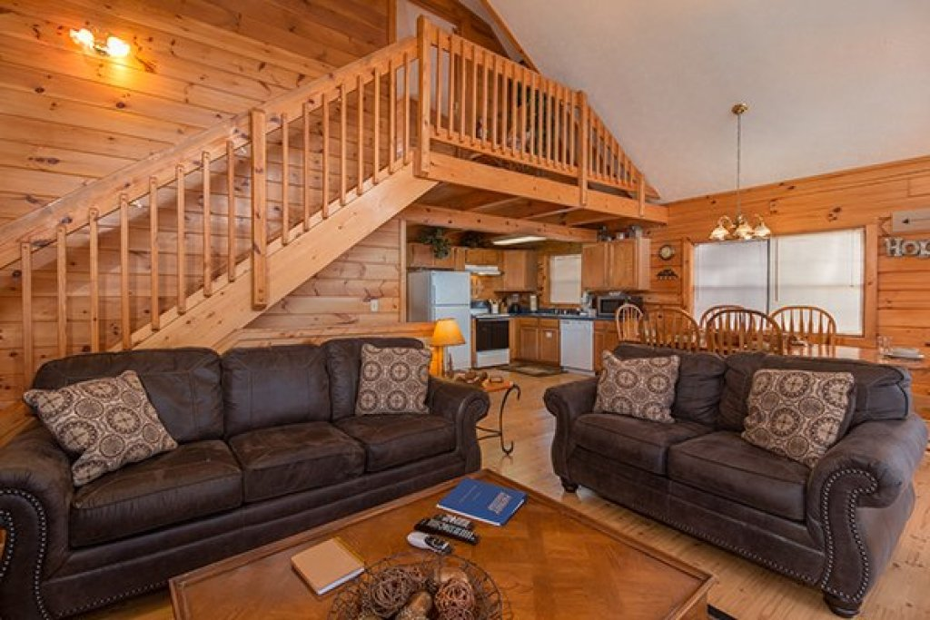Photo of a Gatlinburg Cabin named Mountain Treehouse - This is the second photo in the set.