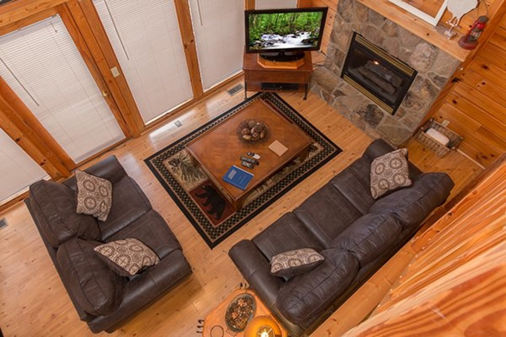 Photo of a Gatlinburg Cabin named Mountain Treehouse - This is the ninth photo in the set.