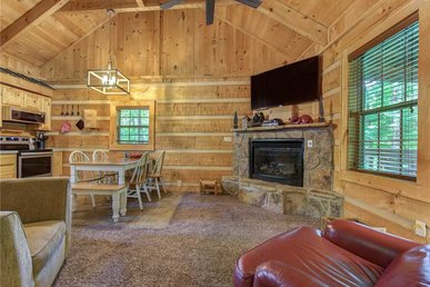 Life's Escape, 2 Bedrooms, Wifi, Fireplace, Arcade, Jetted Tub, Sleeps 6